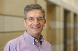 El profesor Fausto Hernández ha sido reconocido por (ANEE)