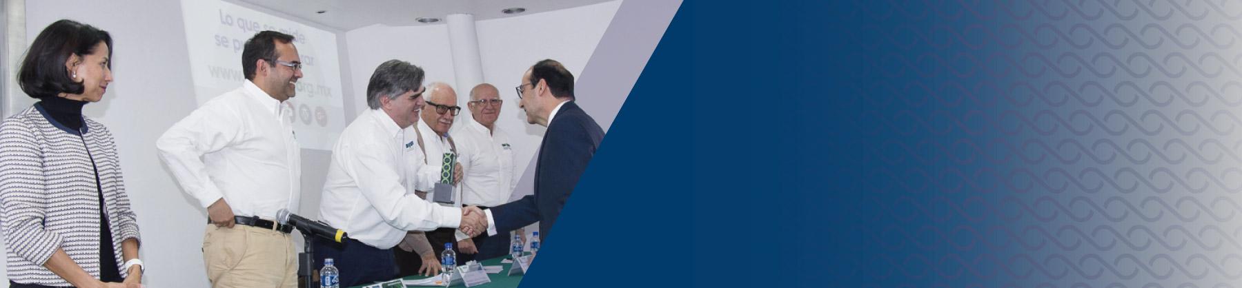 cide_Coneval-reconoce_buenas_practicas_en_uso_de_evaluacion_y_monitoreo_en_Mexico