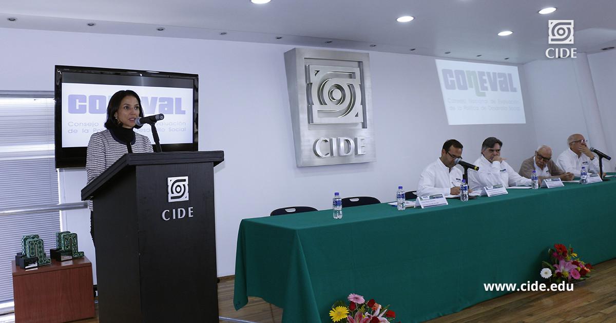 Coneval reconoce buenas prácticas en uso de evaluación y monitoreo en México