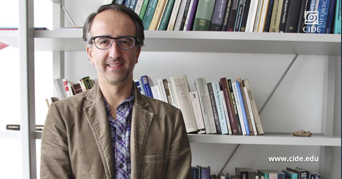 Dr. Claudio López Guerra primer mexicano en publicar un artículo en la revista Philosophy & Public Affairs