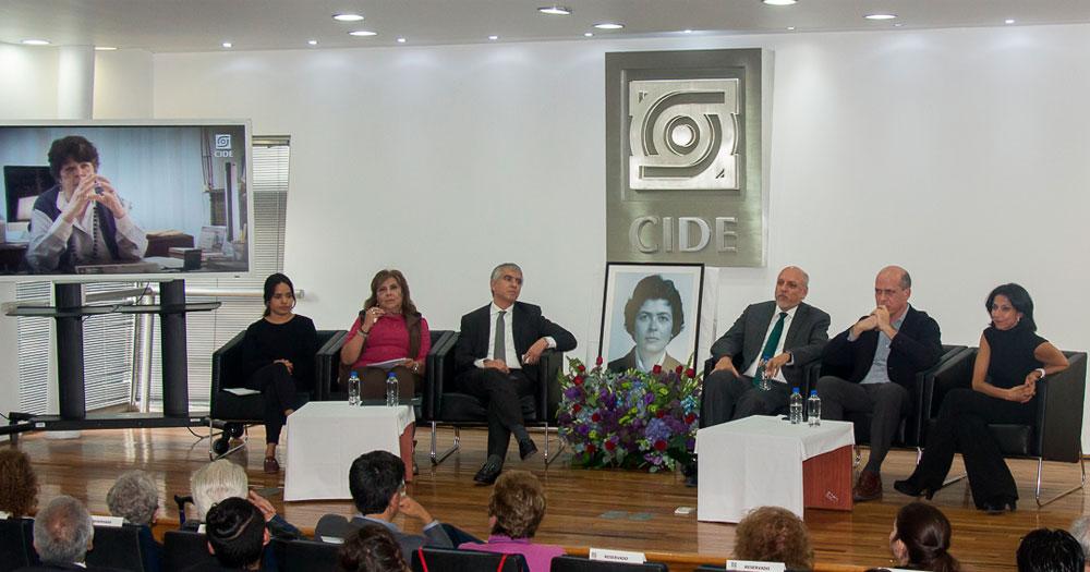 Comunidad CIDE realiza homenaje a Trinidad Martínez Tarragó