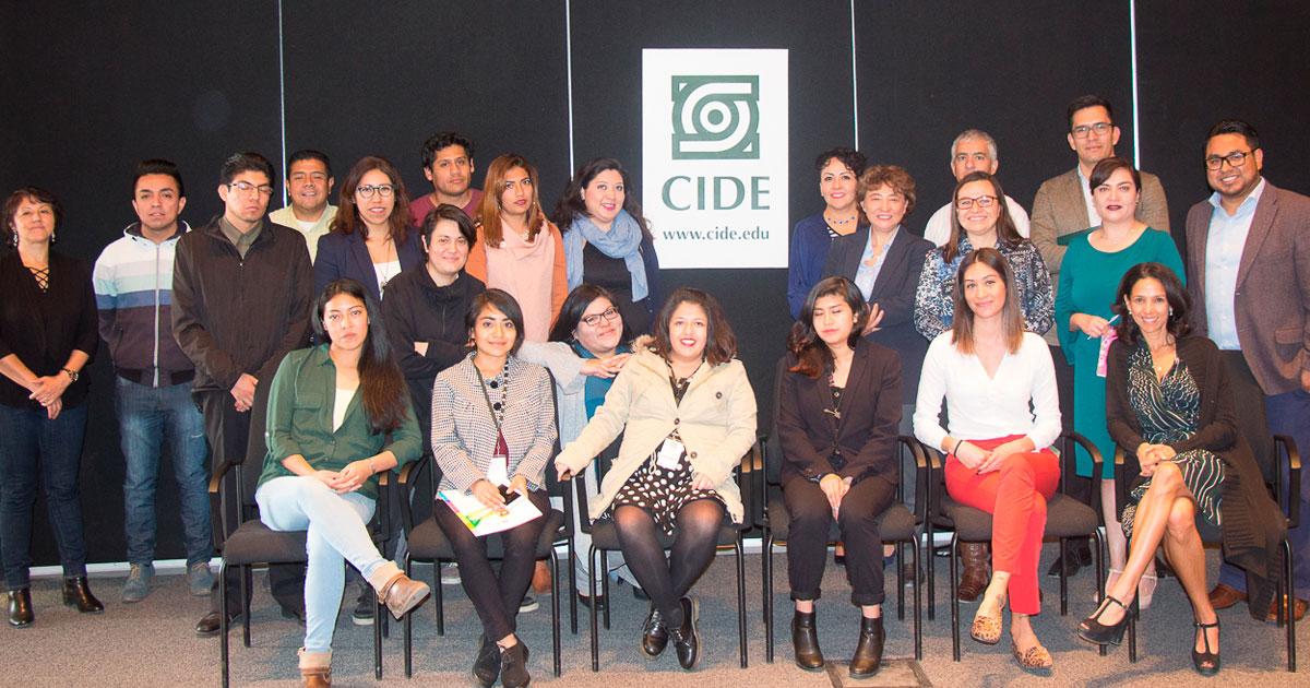 Comunidad CIDE recibe a becarios del programa <em>Jóvenes construyendo el futuro</em>