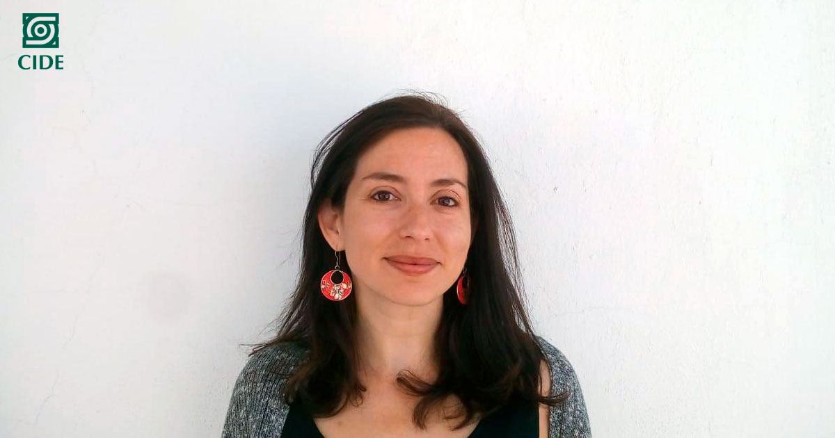 Elizabeth Pérez, profesora del CIDE, es reconocida con el <em>Distinguished Dissertation Award in Public Administration and Policy</em>