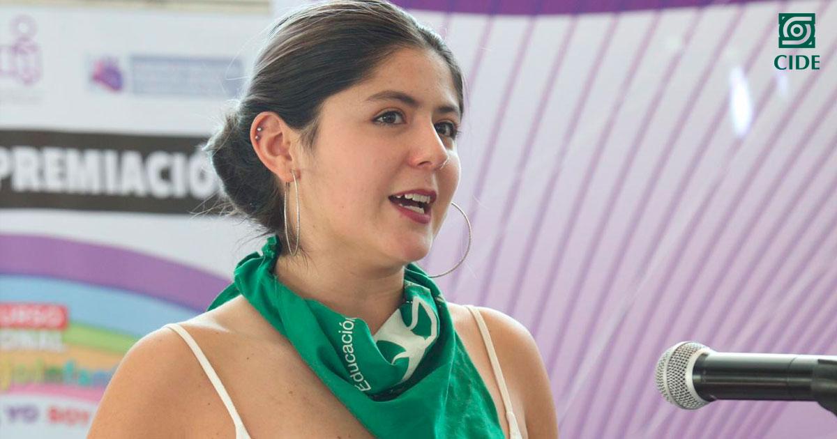 """Camila Rodríguez obtiene primer lugar del """"Concurso Latinoamericano de Ensayo Universitario"""""""