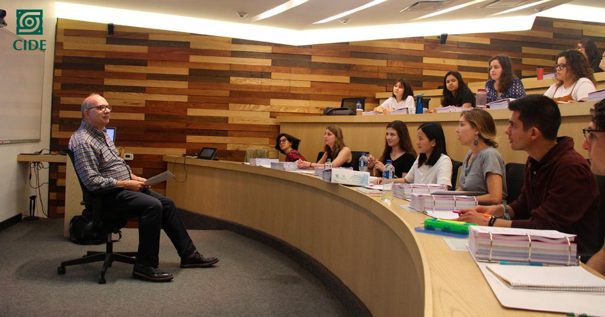 Estudiantes de la Universidad de Columbia y el CIDE participan en seminario de verano