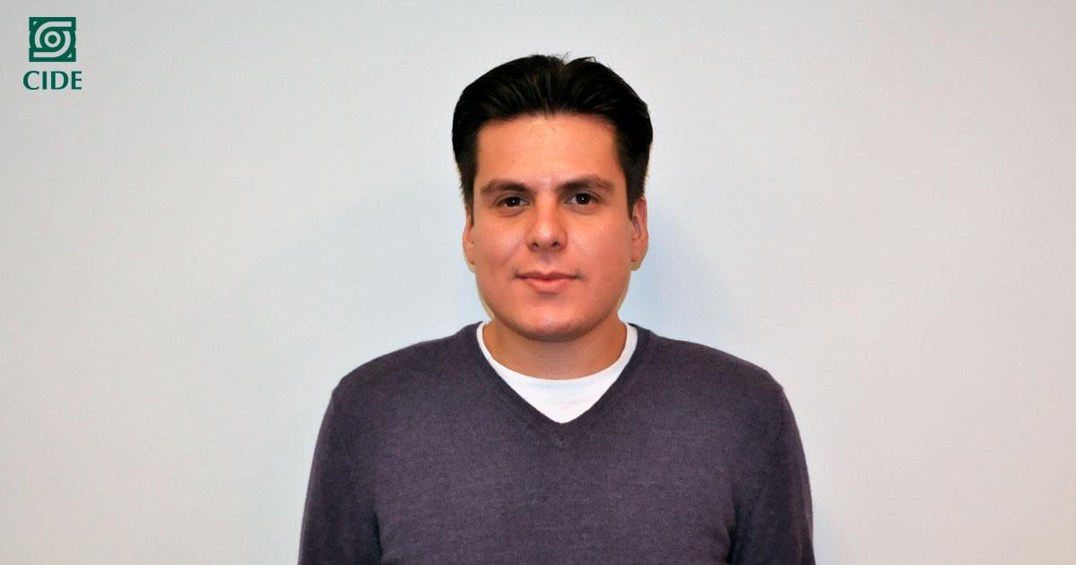 Walter Martínez, egresado de la MHI, obtiene premio para proyecto de tesis del INEHRM