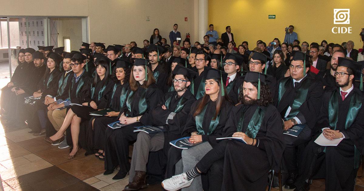CIDE Santa Fe realiza ceremonia de egreso de estudiantes de posgrado