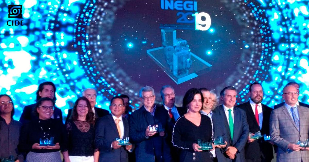 Mauricio Merino obtiene reconocimiento <em>Opinión en televisión</em> del INEGI