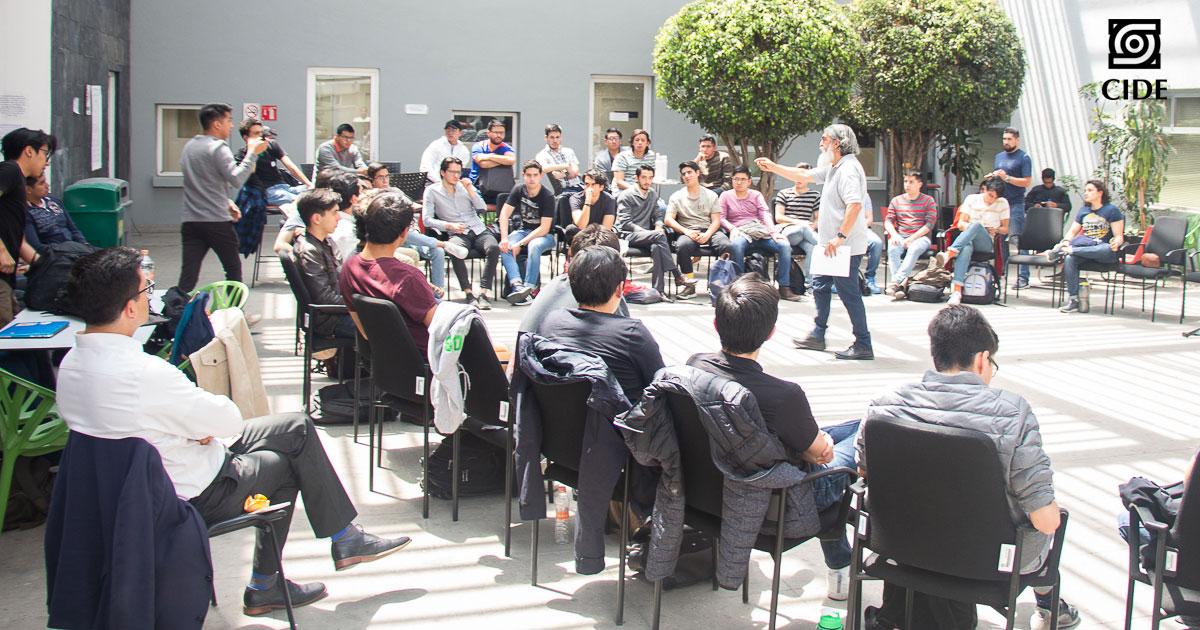Estudiantes, profesores y personal del CIDE viven #UnDíaSinMujeres