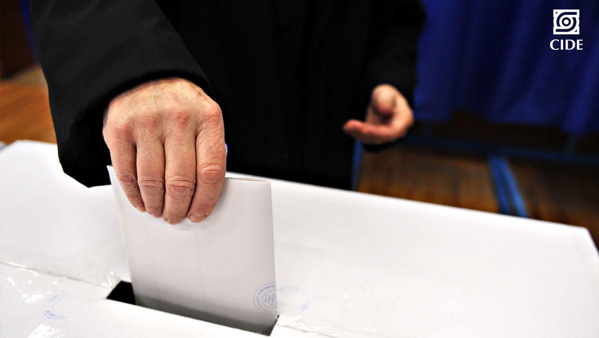 Analizan impacto de información política en cambio de intención de voto en electorado en México